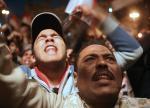 احتفالات المتظاهرين بعد خلع الرئيس السابق حسني مبارك من الرئاسه